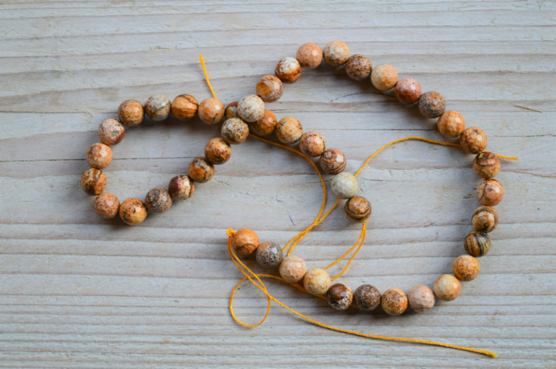 Picture Jaspis facettierte runde Perlen 8 mm