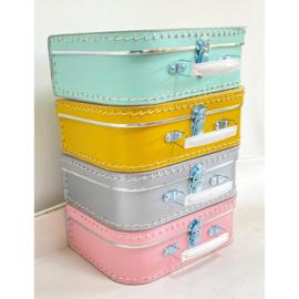 Koffertje   Welkom kleine uk