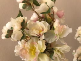 kunst bloesembomen creme/wit zijde bloesem op een stam van hout