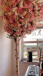 Kunstboom gemaakt van verschillende soorten/kleuren kunstbloemen zonder steel