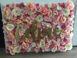 Bloemenbord/bloemenwand met naam, geboorte cadeau