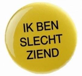 "Button: ""Ik ben slechtziend"", gele button met zwarte opdruk"
