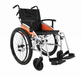 Rolstoel met dikke brede luchtbanden, rolstoel voor het bos, G-Explorer
