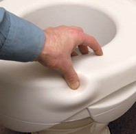 Zachte toiletverhoger met uitsparing