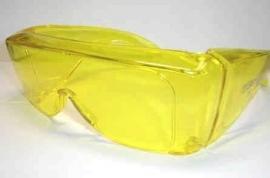 UV-shield 50, 87% lichtdoorlatend, gele bril (grote overzetbril)