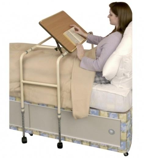 Bedleestafel of stoelleestafel met kantelbaar blad en wieltjes