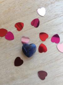 Blauw sodaliet hartje met gaatje voor ketting