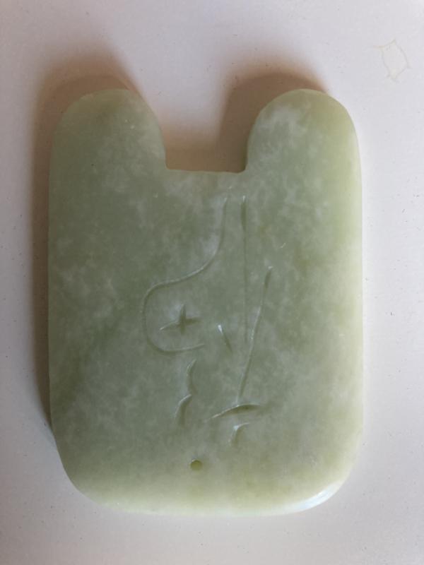 Jade Guasha steen 2 rechte kanten met Chinese gegraveerde inscriptie: geluk