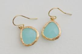 Oorbellen 14K Gold Filled met hanger glas 'turquoise'