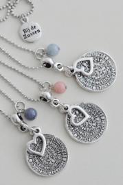 Ketting ballchain zilverkleurig met munt, hart en kraal half-edelsteen