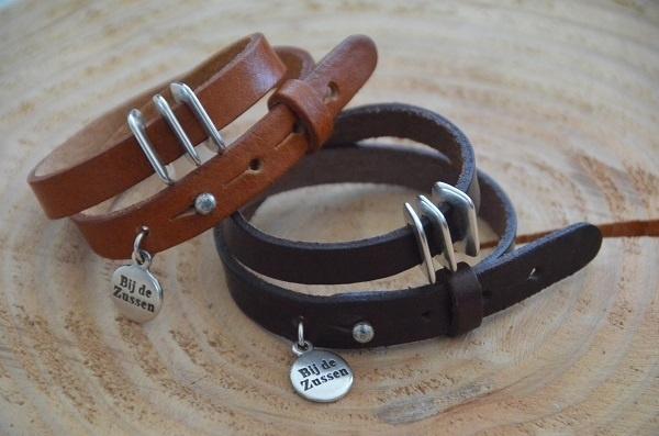 Armband plat leer met 3 leerschuivers