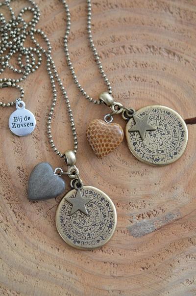 Ketting ballchain bronskleurig met munt, ster en houten hart