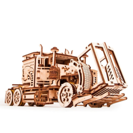 Big Rig American style truck by Wood Trick