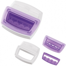Wilton Border Punch Set with Scallop Border Cutting Insert