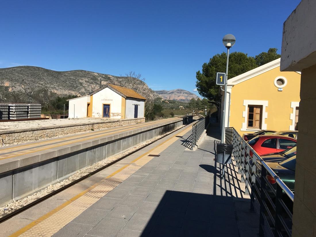 vervoer in Moraira_treinstation