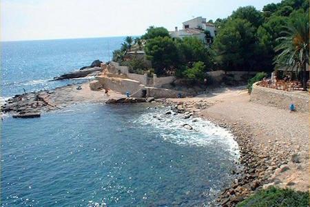strand van L'Andrago in Moraira