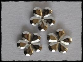 Flatback bloemetje met gaatje, zilver - 4 stuks - 20mm.