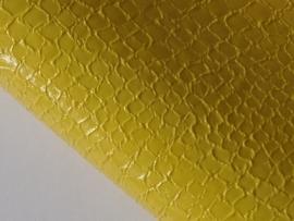 Lapje slangenleer, geel - 20 x 22 cm.