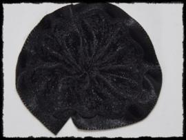 Rozet, satijn met kant - zwart - 5 cm.