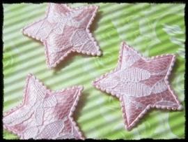 Sterren, roze satijn met kant - 4 stuks - 35mm