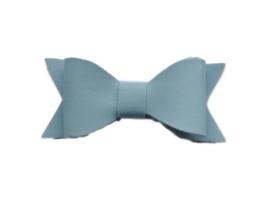 Leren strik, lichtblauw - 7 cm.