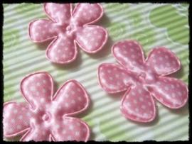 Satijnen bloemetjes, roze polkadot - 4 stuks - 47mm.
