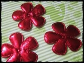 Satijnen bloemetjes, glimmend rood - 4 stuks - 47mm.