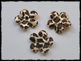 Satijnen bloemetje met dierenprint - 4 stuks - 25 mm.