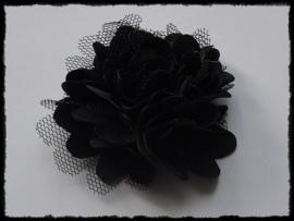 XL-bloem satijn met tule, zwart - 5 cm.