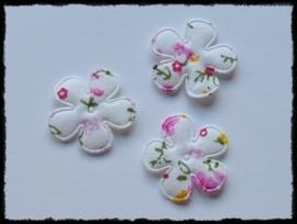 Katoenen bloemetjes, wit met roze bloemetjes - 4 stuks - 25mm