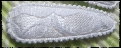 (gr) Haarkniphoesjes incl knipjes - wit met kant - 5,5 cm.