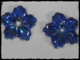 Flatback bloemetjes met gaatje, kobalt - 10 stuks - 13mm.