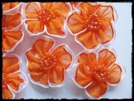 Organza bloemetje oranje - 3 stuks - 3 cm.