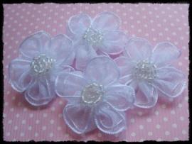 Wit organza bloemetje met kraaltjes - 3 cm - 3 stuks