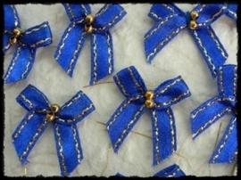 Strikjes, kobalt met gouden randje en kraaltjes - 4 stuks - 3 cm