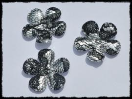 Satijnen bloemetjes, zilver met zwart kant - 4 stuks - 35mm