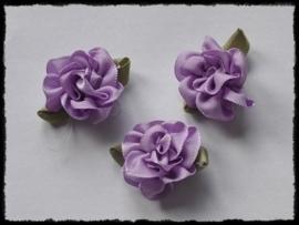 Satijnen bloem met gekruld blad, lila - 3 stuks - 3 cm.