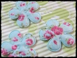Katoenen bloemetjes, blauw met bloemetjes - 4 stuks - 25mm