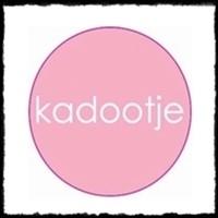 Etiketten `kadootje` - roze - 10 stuks