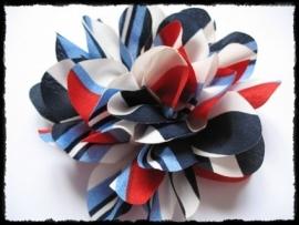 XXL-bloem -  rood / wit / blauw gestreept - 10 cm.