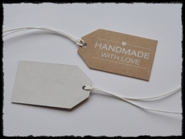 Kartonnen label `made with love`, bruin  - 7x4 cm.