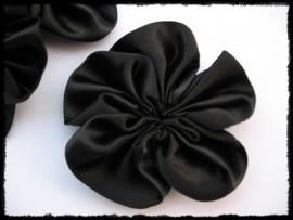 Satijnlint bloem, zwart - 5 cm.