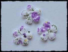Katoenen bloemetjes, wit met paarse bloemetjes - 4 stuks - 25mm