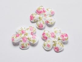 Katoenen bloemetjes, wit met felroze roosjes - 4 stuks - 35mm.