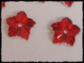Flatback bloemetjes met gaatje, rood - 10 stuks - 13mm.