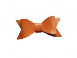 Leren strik, oranje - 7 cm.