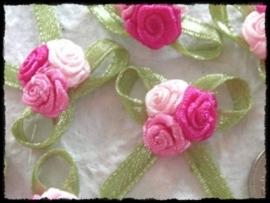 Rozenboeketje, roze - 3 stuks - 3 cm.