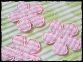 Geruit bloemetje roze - 4 stuks - 2,5 cm.
