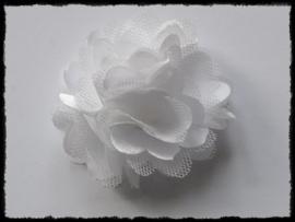 XL-bloem satijn met tule, wit - 5 cm.