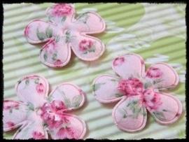 Katoenen bloemetjes, roze met bloemetjes - 4 stuks - 25mm